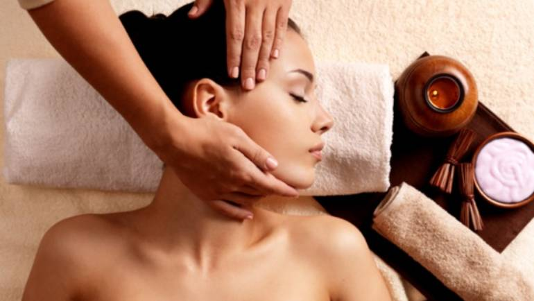 Lucia Hair and Beauty are proud to announce our NEW beauty treatment… Indian head massage!