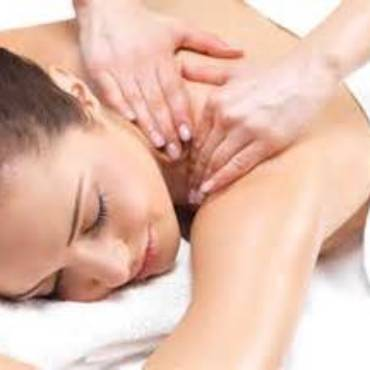 Relax with an Aromatherapy Massage